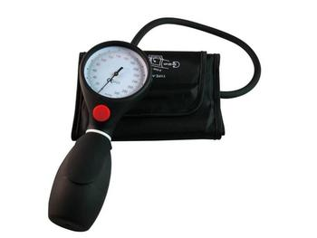Sphygmomanometer with button (image)